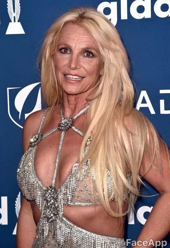 Britney Spears modificato con FaceApp